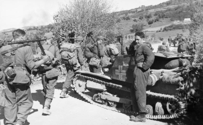 Немецкие солдаты в Албании. Сентябрь 1943 г.