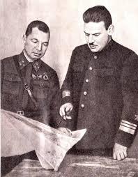 Генерал Н.П. Симоняк и адмирал С.И. Кабанов на полуострове Ханко. 1941 г.