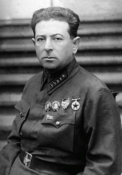 Мехлис Лев Захарович (01.01.1889 – 13.02.1953)