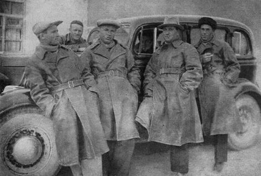 Советские специалисты-авиаторы в Китае.