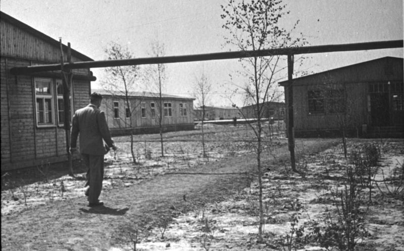 Казармы лагеря в Мановиц.