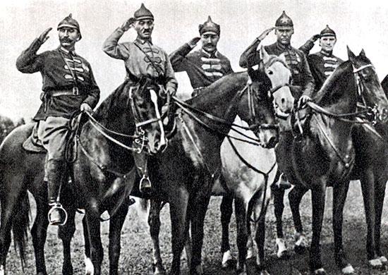 Командование 1-й Конной армии в станице Лабинской: Буденный, Городовиков, Щелоков, Тимошенко, Хрулев. 1920 г.