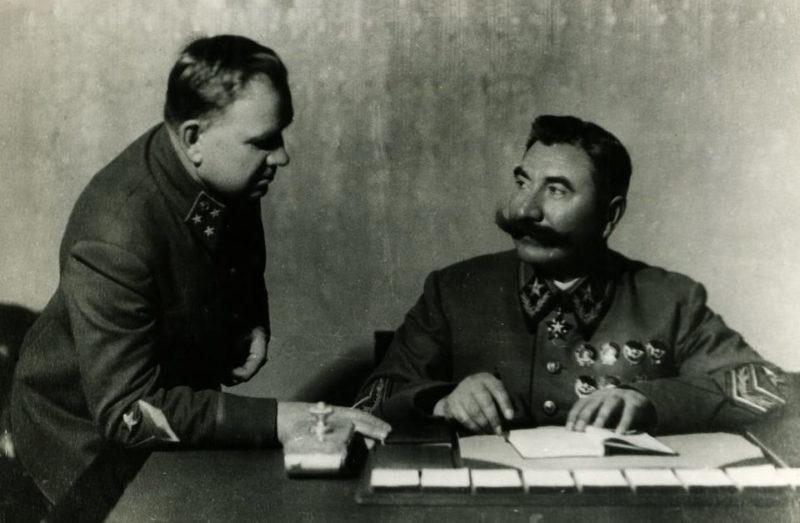 Хрулев на приеме у Буденного. 1936 г.