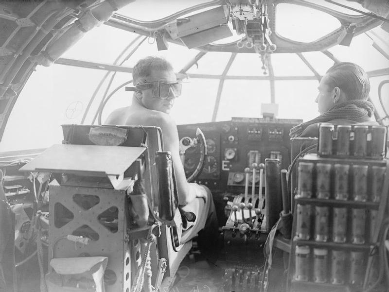 Летчики самолета « Sunderland» над Атлантикой. Июнь 1940 г.