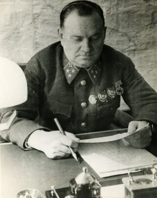 Генерал-лейтенант Хрулев. 1942 г.