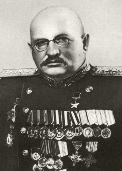 Петров Иван Ефимович (18.09.1896 – 07.04.1958)