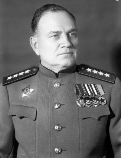 Генерал армии Хрулев. 1945 г.