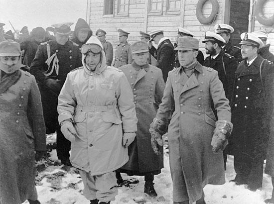 Президент Чили во время открытия станции Бернардо О'Хиггинса в Антарктиде. 18 февраля 1948 года.