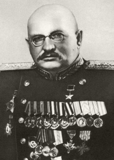 Генерал армии Петров И.Е. 1946 г.