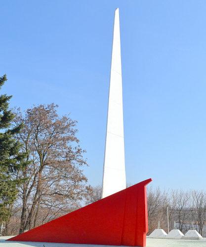 Центральный памятник мемориала.