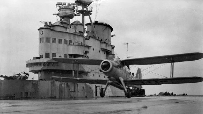 Торпедоносец «Fairey Albacore» на палубе авианосца «Victorious». Март 1942 г.