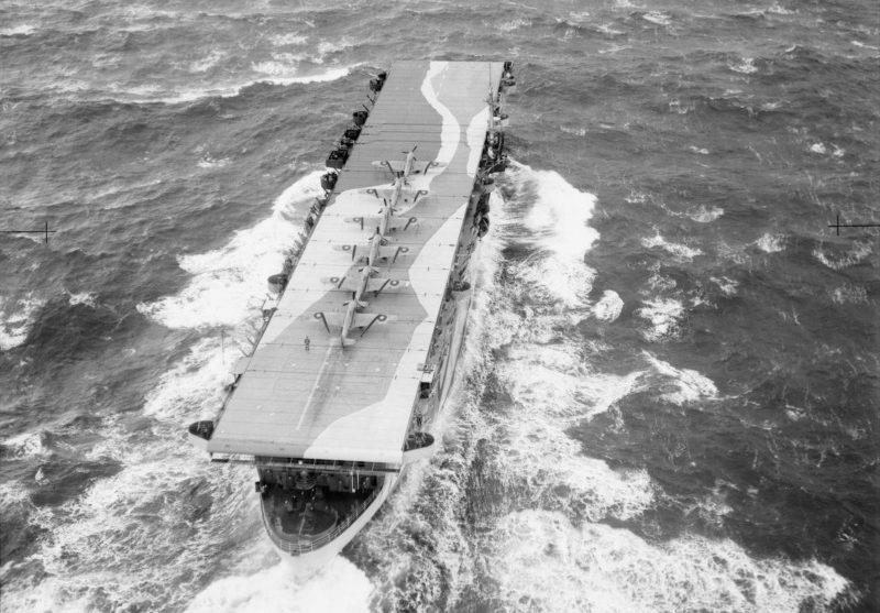 Британский эскортный авианосец «Avenger». 1942 г.