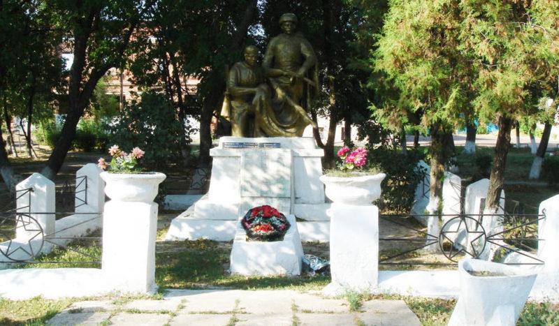 ст-ца. Старочеркасская Аксайского р-на. Братская могила советских воинов.