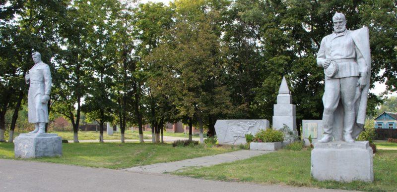 ст-ца. Ладожская Усть-Лабинского р-на. Братская могила воинов, погибших в годы Гражданской и Великой Отечественной войн.