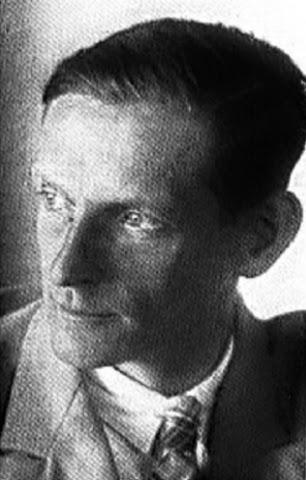 Оберштурмбанфюрер СС - Карл Дибич.