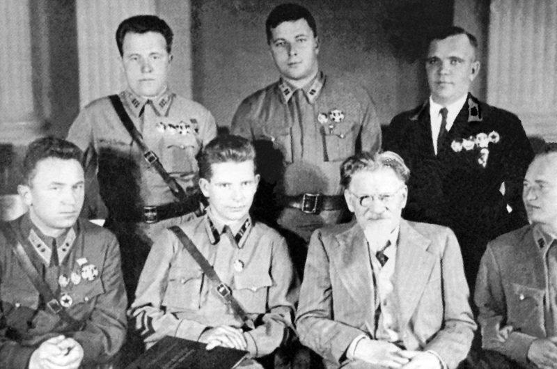 Сергей Денисов среди награжденных. 1937 г.