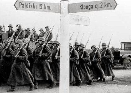 Советские войска направляются в Палдиски.