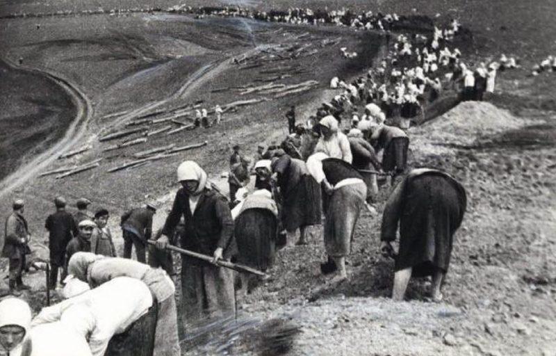 Горожане на строительстве оборонительного рубежа у Тулы. Сентябрь 1941 г.