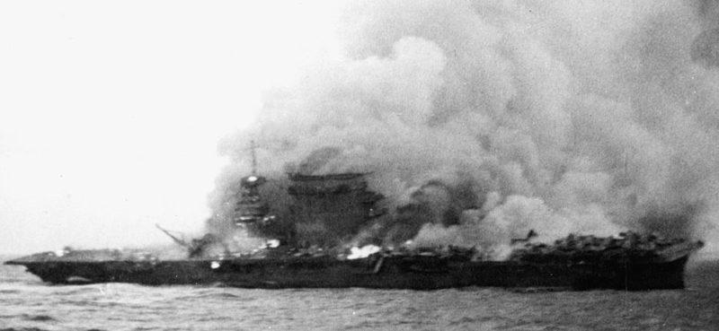 Горящий авианосец «Лексингтон». 8 мая 1942 г.