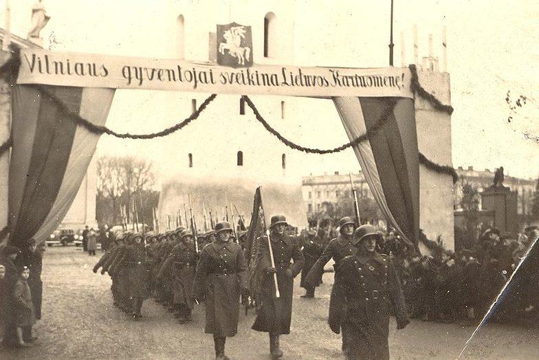 Литовские войска вступают в Вильнюс. 29 октября 1939 г.
