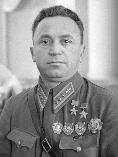 Комкор Денисов. 1940 г.