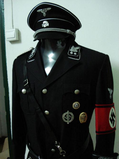 Черная униформа СС.
