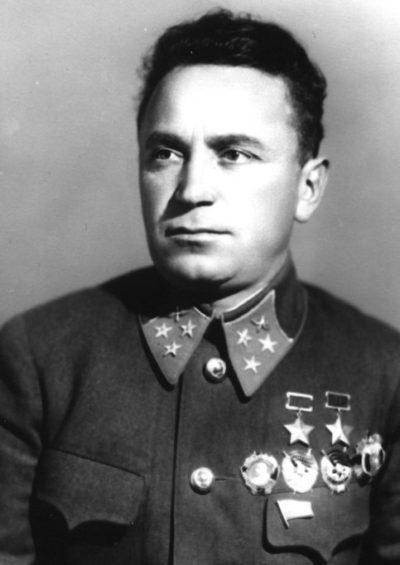Генерал-лейтенант авиации Денисов. 1940 г.