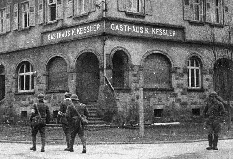 Французские солдаты в немецком Лаутербахе.