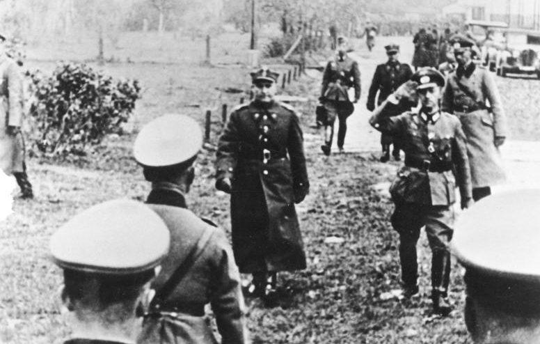 Генерал Тадеуш Кутжеба на переговорах с генералом Бласковицем. 28 сентября 1939 г.