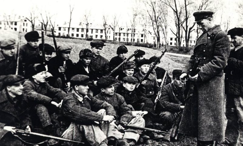 Туляки на занятиях всеобуча. Сентябрь 1941 г.