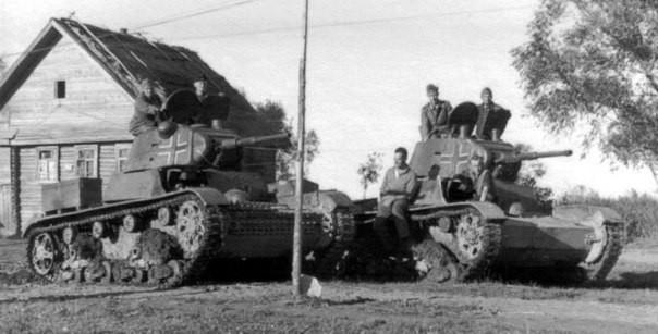 Немецкие танки в окрестностях города. Октябрь 1941 г.