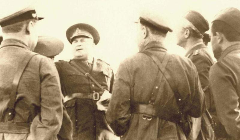 Встреча румынских и советских офицеров. Июнь 1940 г.
