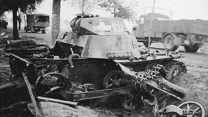 Разбитая немецкая техника.