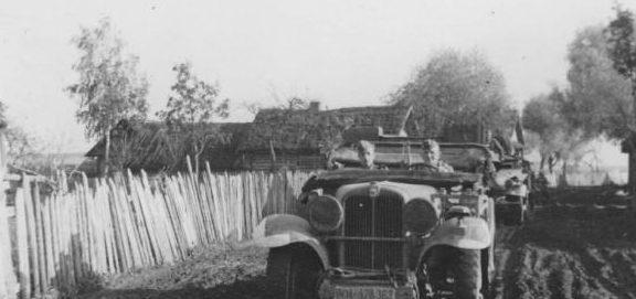 Немецкие колонны движутся к Смоленску. Июль 1941 г.