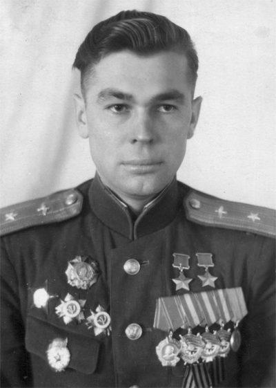 Дважды Герой Советского Союза Алексеенко. 1946 г.