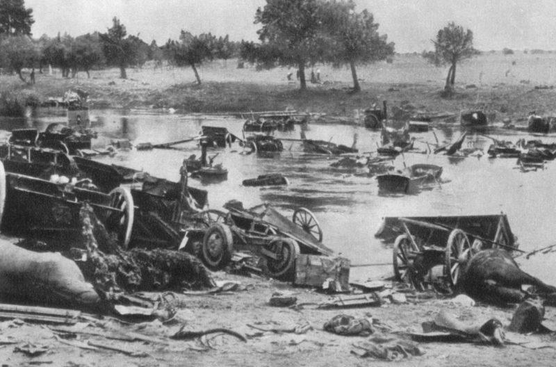 Разбитая польская артиллерия.
