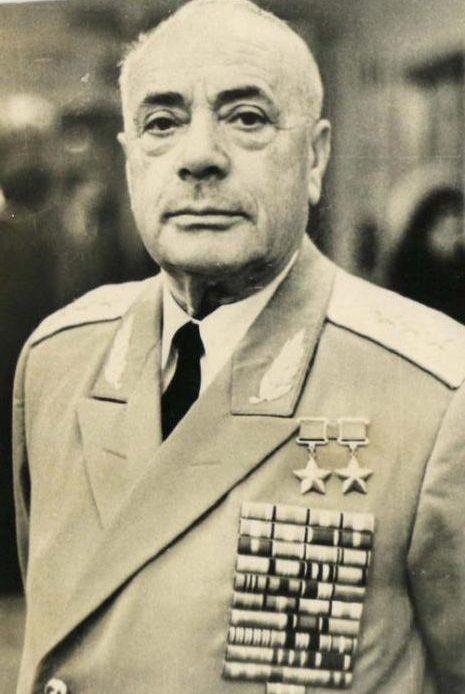 Драгунский. 1990 г.