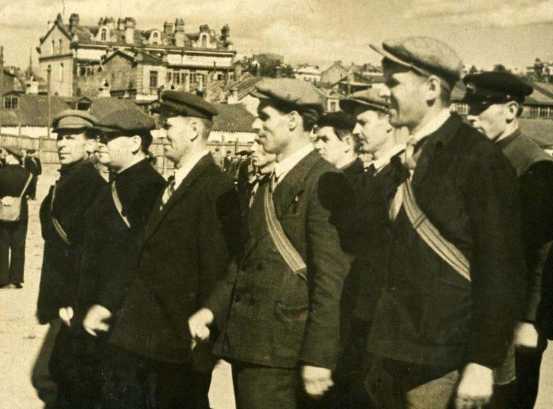 Занятия бойцов всеобуча. 1942 г.