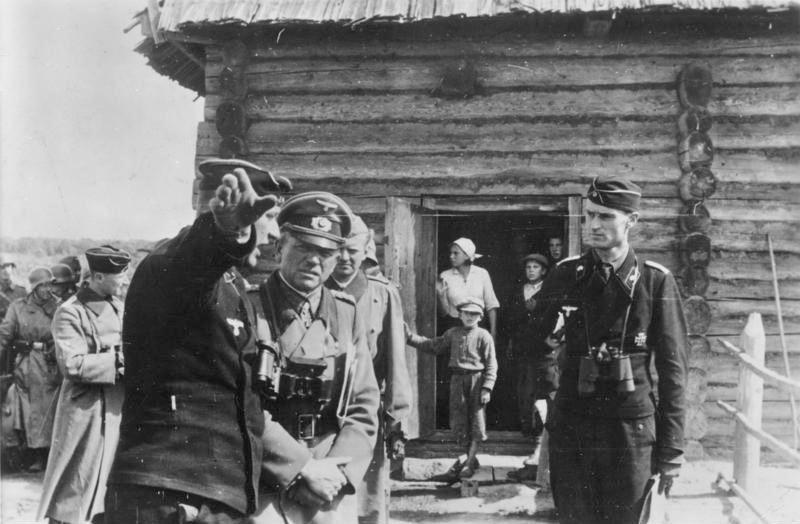 Гудериан на командном пункте под Тулой. Октябрь 1941 г.