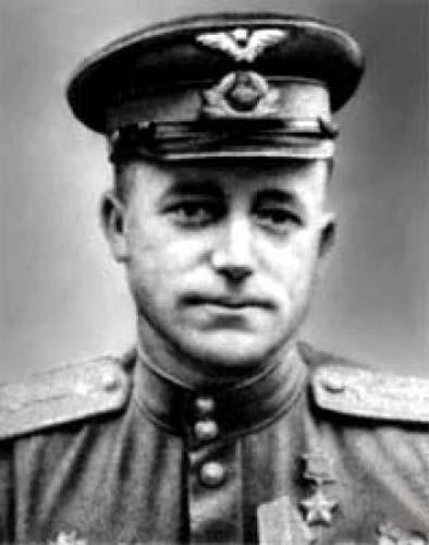 Герой Советского Союза капитан Ефремов. 1943 г.