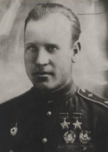 Дважды Герой Советского Союза полковник Зайцев. 1944 г.