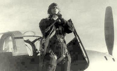 Капитан Камозин на крыле «Аэрокобры». 1944 г.