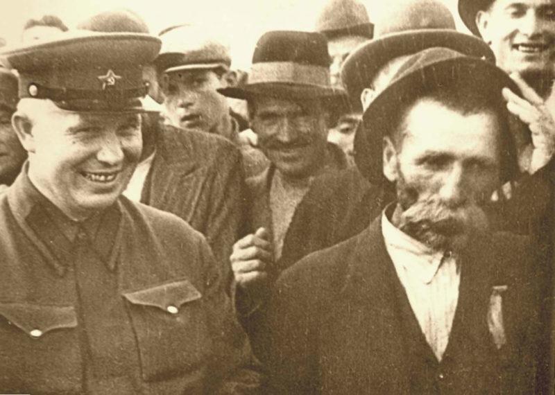 Никита Хрущев в Бессарабии. Июль 1940 г.