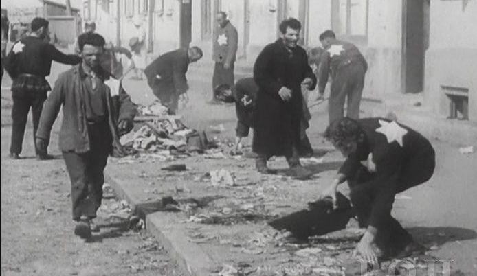 Евреи- узники гетто в Смоленске. 1941 г.