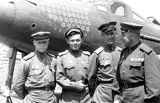 Клубов с однополчанами. 1944 г.