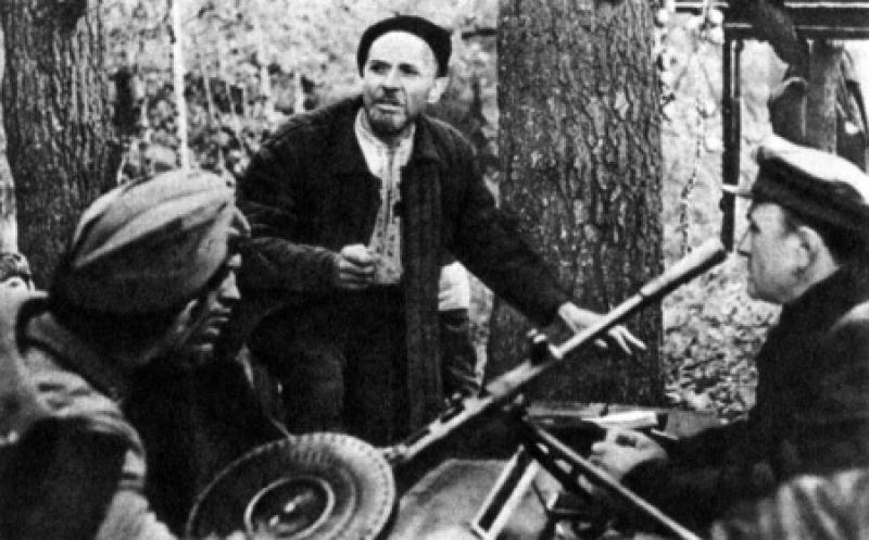 Ковпак среди партизан. 1941 г.