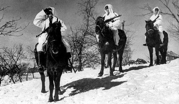 Красноармейский кавалерийский патруль. Январь 1941 г.