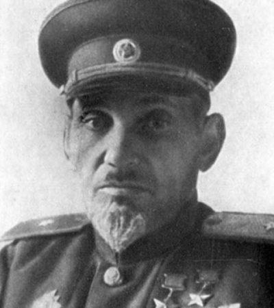 Дважды Герой Советского Союза генерал-майор Ковпак. 1944 г.