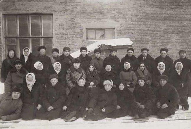 Жертвователи на танковую колонну «Тульский колхозник». Январь 1943 г.