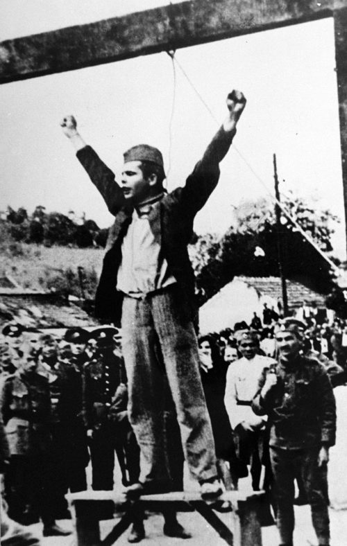 Казнь нацистами командира партизанского отряда Степана Филиповича. Валево, 22 мая 1942 г.